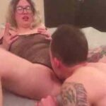 Nerdy Lady Smokes While Getting Pussy Licked